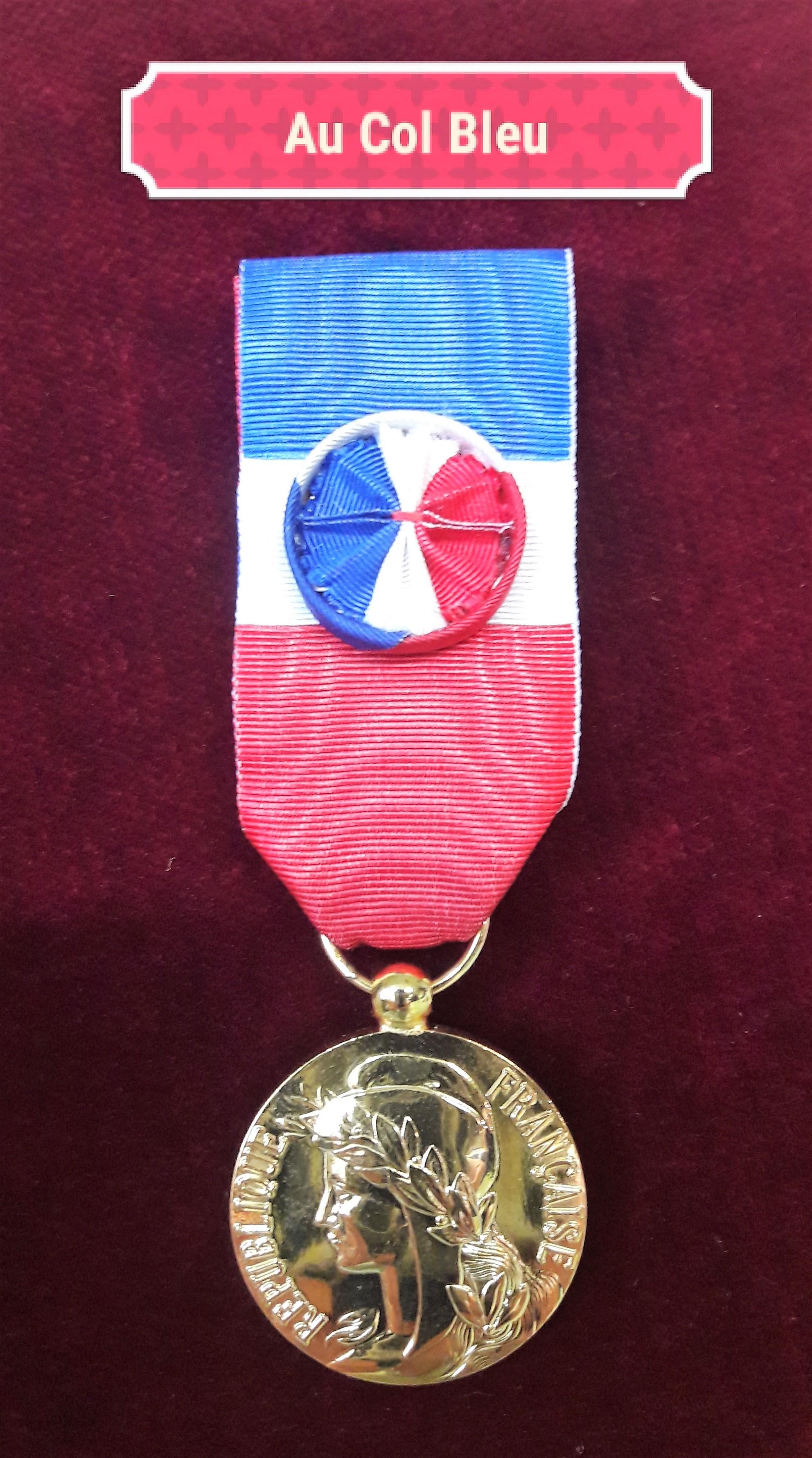 Medaille Ordonnance 30ans Travail Bronze Dore D00904 Au Col Bleu